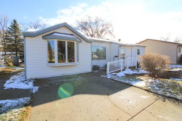 1316 N N Park Street, Fergus Falls, MN 56537
