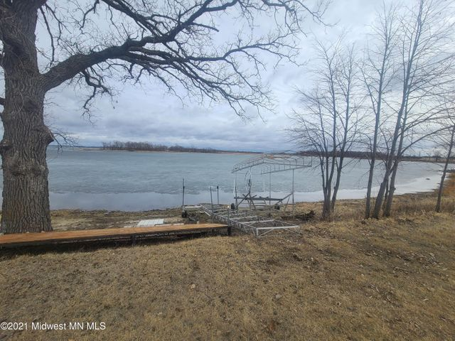 44243 W Little Mcdonald Drive, Dent, MN 56528