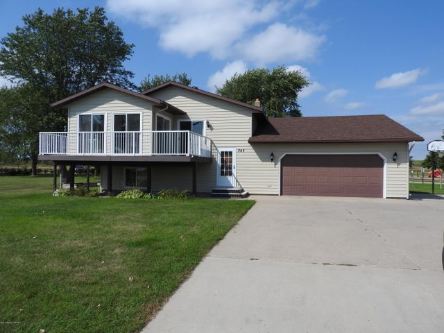 747 Lake Shore Drive, Battle Lake, MN 56515