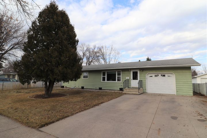 618 Birch Lane, Moorhead, MN 56560