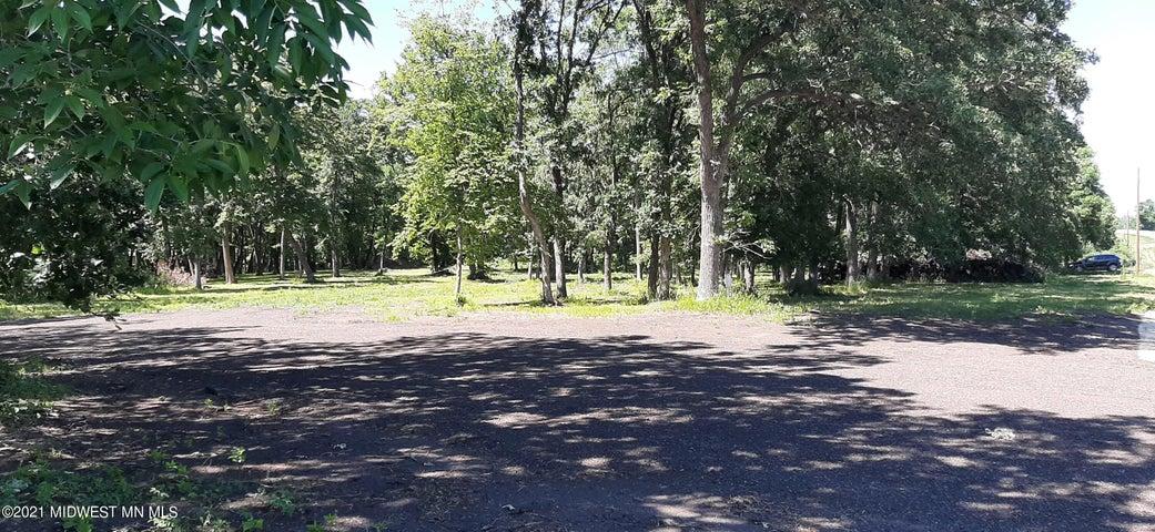 Xxxxx County Highway 5, Henning, MN 56551