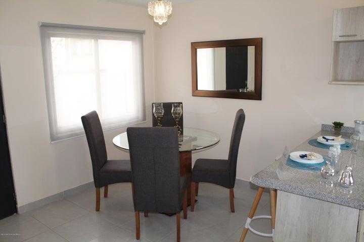 Casa Queretaro>El Marques>Zakia - Venta:1.540.000 Pesos - codigo: 18-188