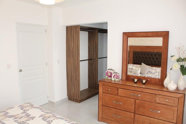 Casa Queretaro>El Marques>Zakia - Venta:1.780.000 Pesos - codigo: 18-187