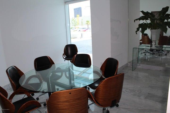 Departamento Queretaro>Queretaro>Juriquilla - Venta:5.000.000 Pesos - codigo: 18-262