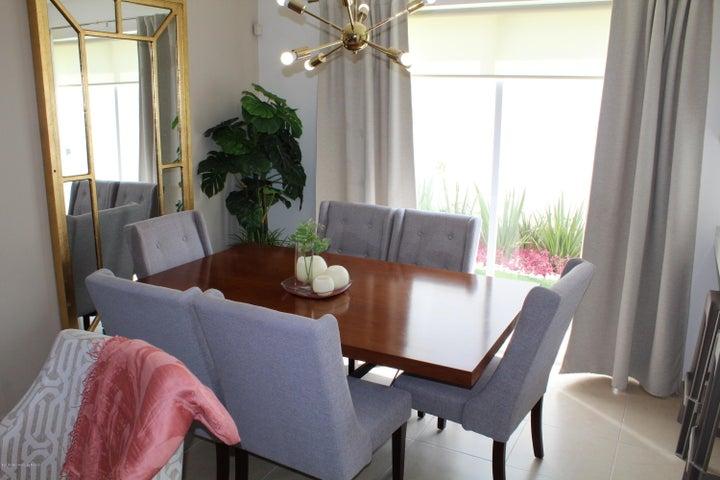 Casa Queretaro>El Marques>Zakia - Venta:1.475.000 Pesos - codigo: 18-313