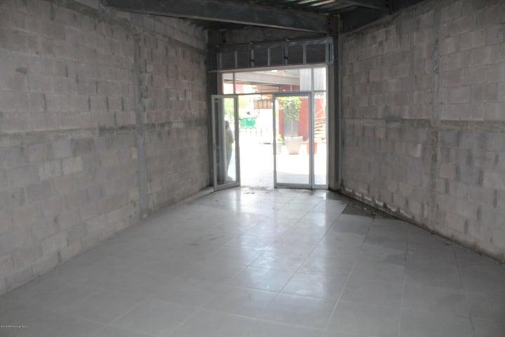 Local Comercial Queretaro>Corregidora>El Pueblito - Venta:926.583 Pesos - codigo: 18-391
