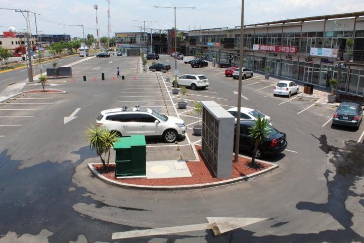 Local Comercial Queretaro>Corregidora>El Pueblito - Renta:23.185 Pesos - codigo: 18-395