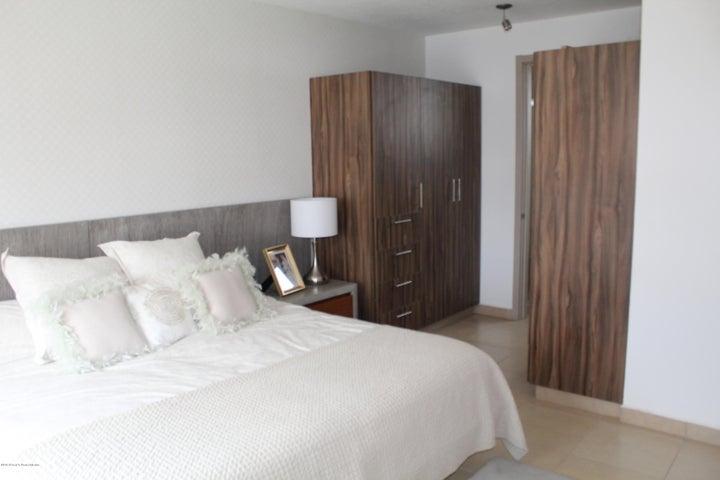 Casa Queretaro>Queretaro>El Mirador - Venta:1.903.770 Pesos - codigo: 18-483