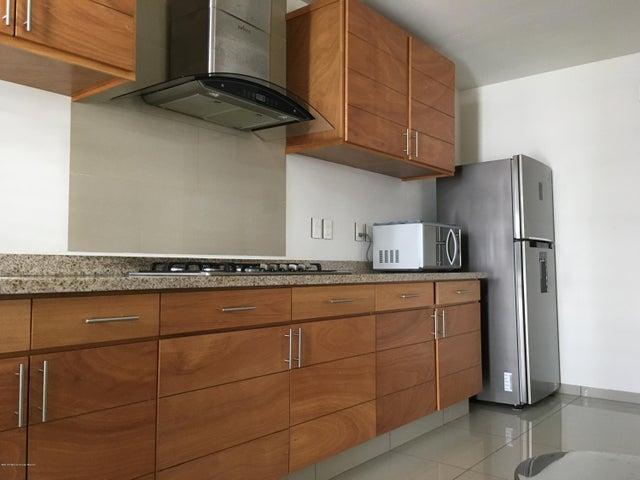 Departamento Queretaro>Corregidora>El Pueblito - Renta:12.750 Pesos - codigo: 19-62
