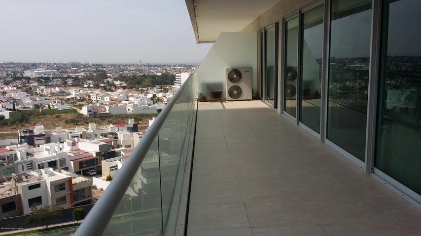 Departamento Queretaro>Queretaro>Centro Sur - Renta:23.000 Pesos - codigo: 19-217