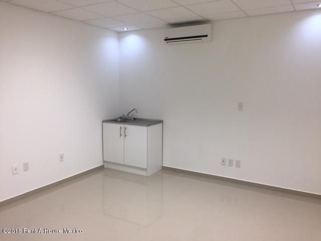 Oficina Queretaro>Queretaro>Bugambilias - Renta:5.000 Pesos - codigo: 19-312