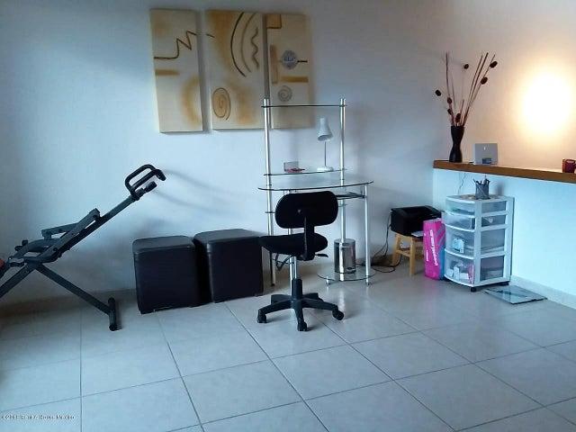 Casa Queretaro>Corregidora>El Pueblito - Venta:4.750.000 Pesos - codigo: 19-399