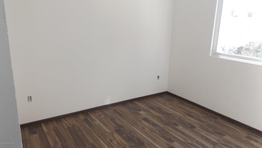 Casa Queretaro>Queretaro>Cumbres del Lago - Venta:3.190.000 Pesos - codigo: 19-441