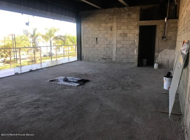 Local Comercial Queretaro>Queretaro>El Refugio - Venta:3.419.123 Pesos - codigo: 19-522