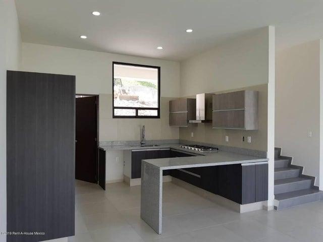 Casa Estado de Mexico>Atizapan de Zaragoza>Residencial Lago Esmeralda - Venta:5.750.000 Pesos - codigo: 19-685