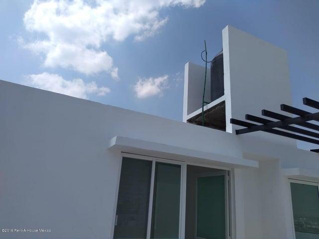 Casa Queretaro>Corregidora>Punta Esmeralda - Venta:2.900.000 Pesos - codigo: 19-699