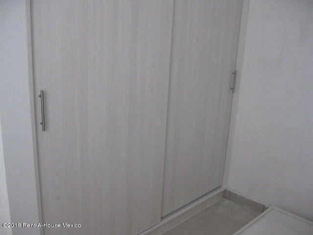 Departamento Queretaro>El Marques>El Rosario - Venta:710.000 Pesos - codigo: 19-700