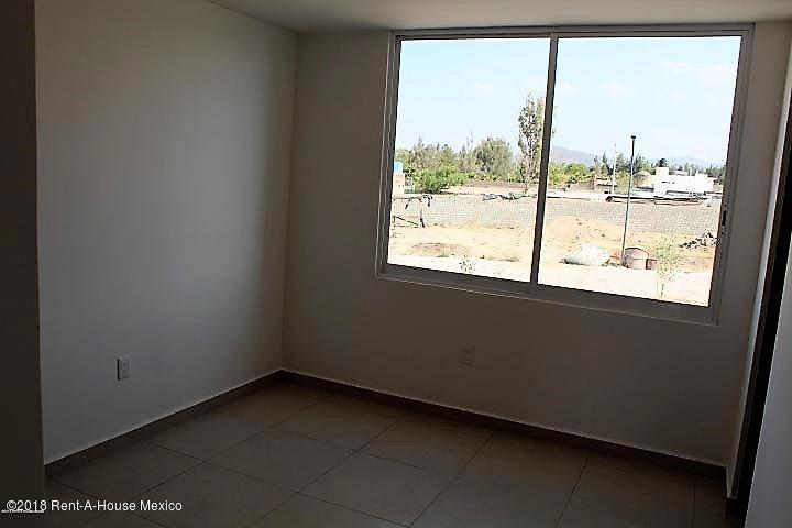 Casa Queretaro>Corregidora>Canadas del Arroyo - Venta:2.486.000 Pesos - codigo: 19-730