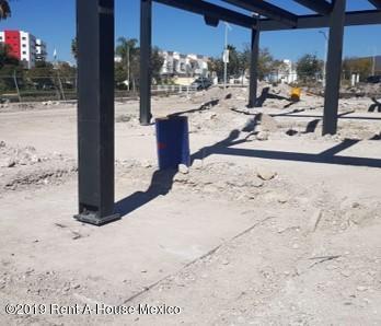 Nuevo Queretaro>Queretaro>El Refugio - Renta:26.600 Pesos - codigo: 19-757