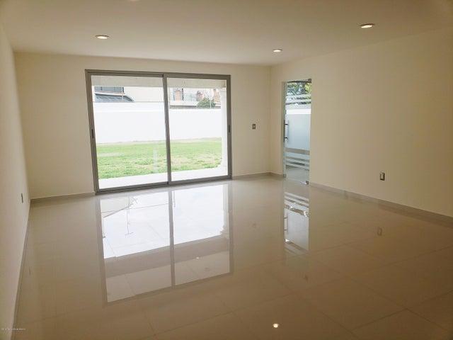 Casa Estado de Mexico>Atizapan de Zaragoza>Condado de Sayavedra - Venta:11.600.000 Pesos - codigo: 19-814