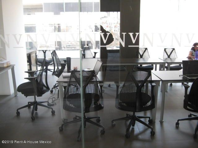 Oficina Queretaro>El Marques>Monte Miranda - Venta:7.600.000 Pesos - codigo: 19-833