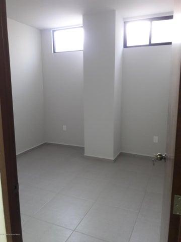 Local Comercial Queretaro>Queretaro>El Refugio - Venta:5.750.000 Pesos - codigo: 19-853