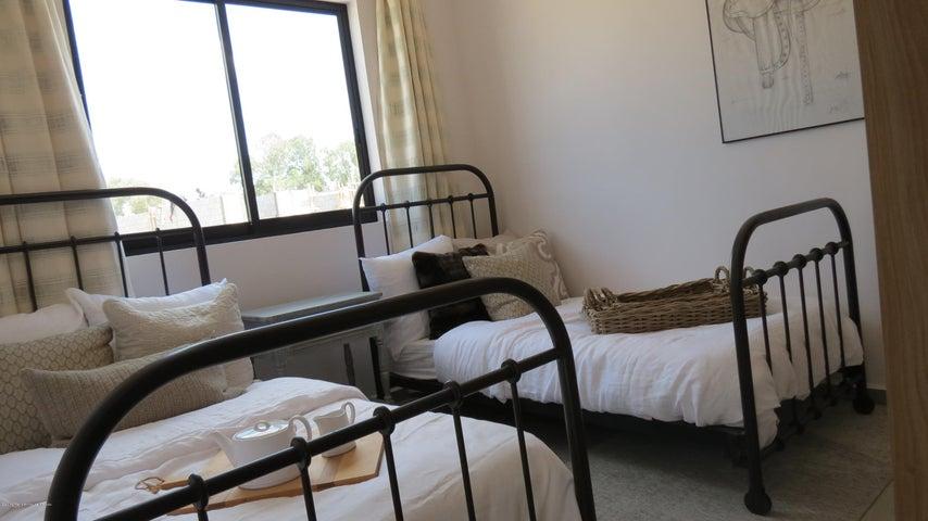 Casa Guanajuato>San Miguel Allende>Zirandaro - Venta:2.200.000 Pesos - codigo: 19-4