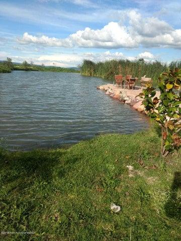 Terreno Queretaro>Corregidora>Canadas del Arroyo - Venta:1.755.600 Pesos - codigo: 19-1004