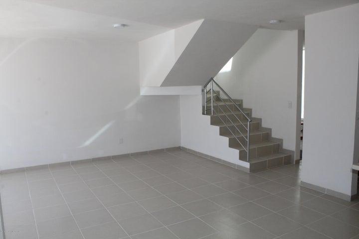 Casa Queretaro>Queretaro>Bugambilias - Renta:10.500 Pesos - codigo: 19-1038