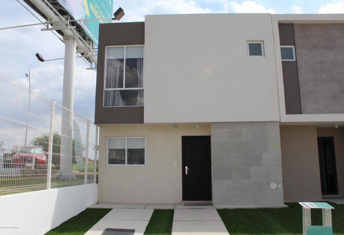 Casa Queretaro>El Marques>Zakia - Renta:8.500 Pesos - codigo: 19-1055