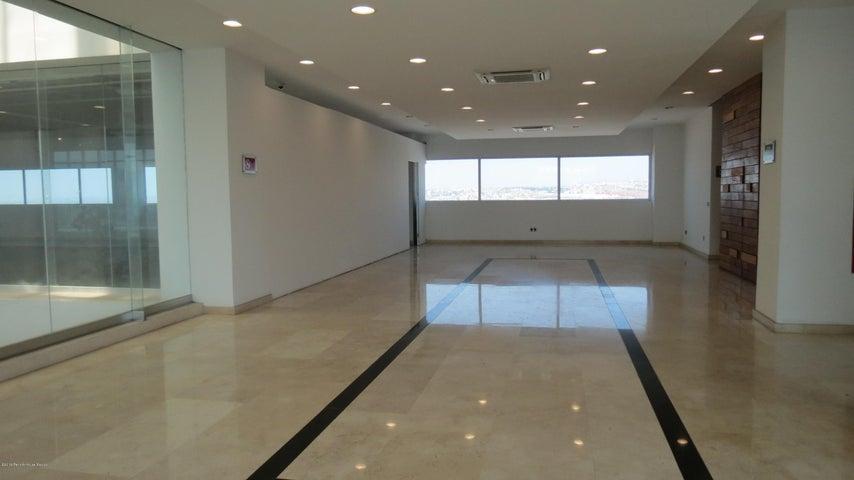 Oficina Queretaro>Queretaro>Alamos 3era Seccion - Renta:26.000 Pesos - codigo: 19-1057