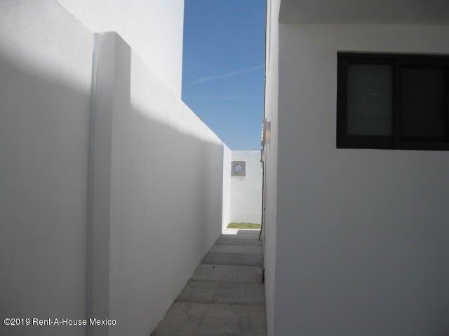 Casa Queretaro>El Marques>Zibata - Venta:2.860.000 Pesos - codigo: 19-387