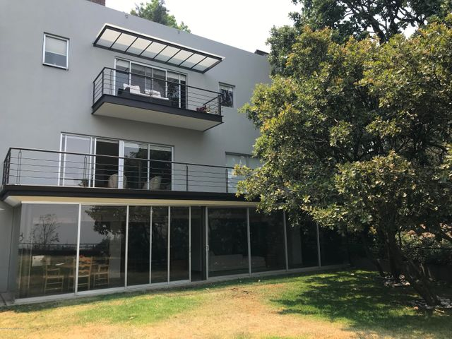 Casa Distrito Federal>Cuajimalpa>Lomas de Vista Hermosa - Renta:140.000 Pesos - codigo: 19-1074