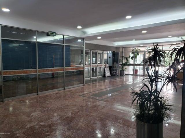 Distrito Federal>Miguel Hidalgo>Argentina Poniente - :316.800 Pesos - codigo: 19-1114