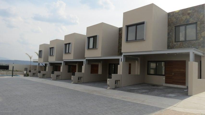 Casa Queretaro>Corregidora>Canadas del Lago - Venta:2.930.000 Pesos - codigo: 19-1147