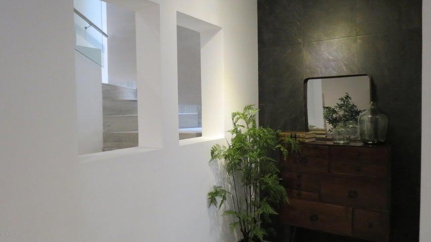 Casa Queretaro>Corregidora>Canadas del Lago - Venta:3.520.000 Pesos - codigo: 19-1148