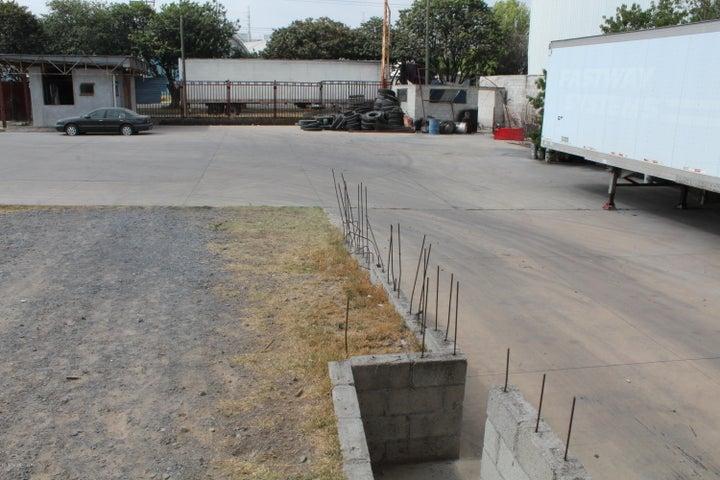 Nave Industrial Queretaro>El Marques>Parque industrial Bernardo Quintana - Venta:50.000.000 Pesos - codigo: 19-1155