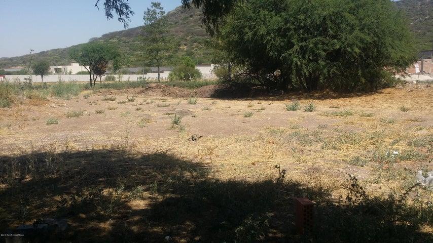 Terreno Queretaro>Queretaro>Altozano - Venta:4.137.584 Pesos - codigo: 19-1230