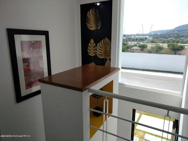 Casa Queretaro>El Marques>Zakia - Renta:10.000 Pesos - codigo: 19-1238