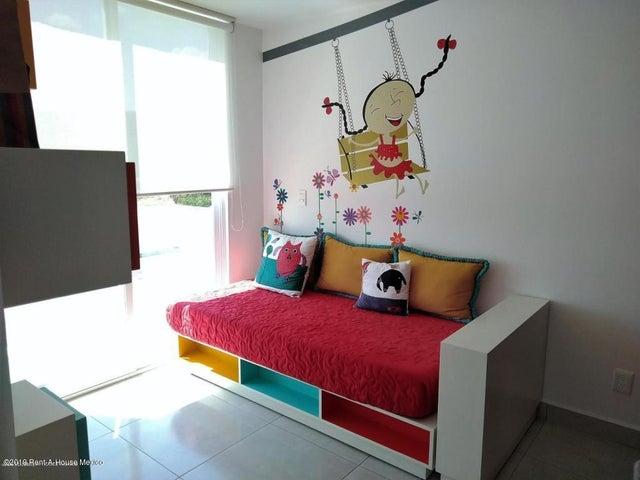 Casa Queretaro>El Marques>Zakia - Renta:9.500 Pesos - codigo: 19-1238