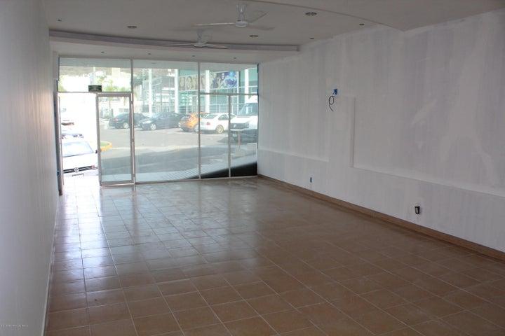 Local Comercial Queretaro>Queretaro>Bugambilias - Renta:9.000 Pesos - codigo: 19-1309