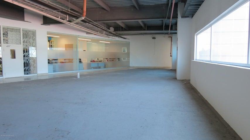 Oficina Queretaro>Queretaro>Alamos 3era Seccion - Renta:180.000 Pesos - codigo: 19-1361