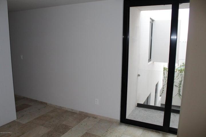 Casa Queretaro>El Marques>Zibata - Renta:12.600 Pesos - codigo: 19-1387