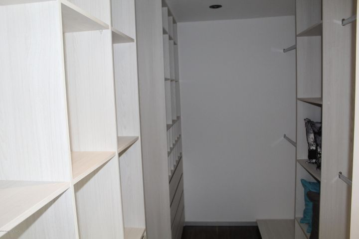 Departamento Queretaro>Queretaro>Cumbres del Lago - Venta:3.410.000 Pesos - codigo: 19-1269
