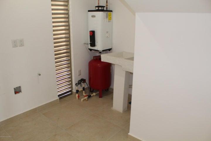 Casa Queretaro>Queretaro>El Refugio - Renta:12.000 Pesos - codigo: 19-1415