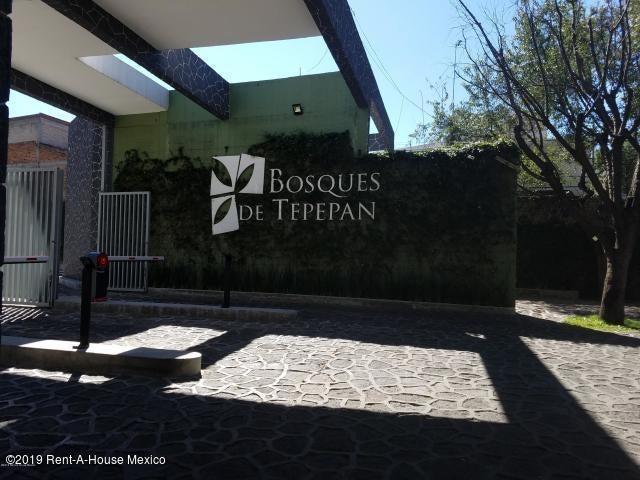 Departamento Distrito Federal>Tlalpan>Fuentes de Tepepan - Renta:18.000 Pesos - codigo: 19-1425