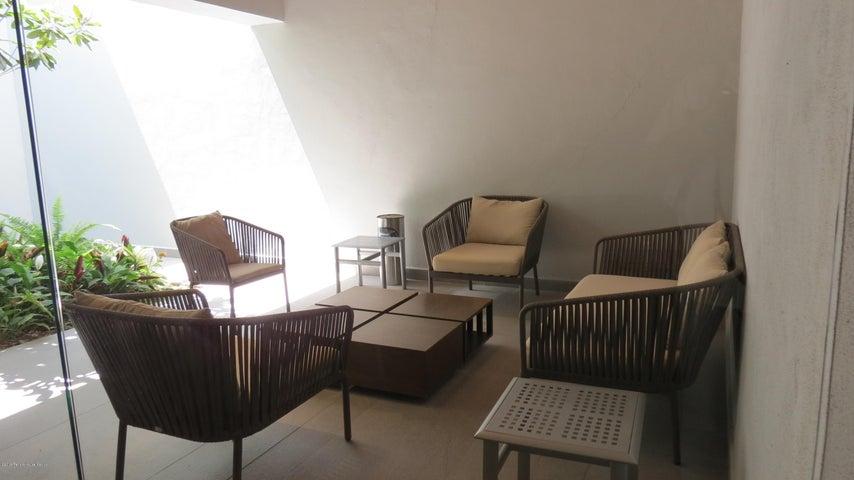 Casa Queretaro>Queretaro>Altozano - Venta:8.790.000 Pesos - codigo: 19-1447