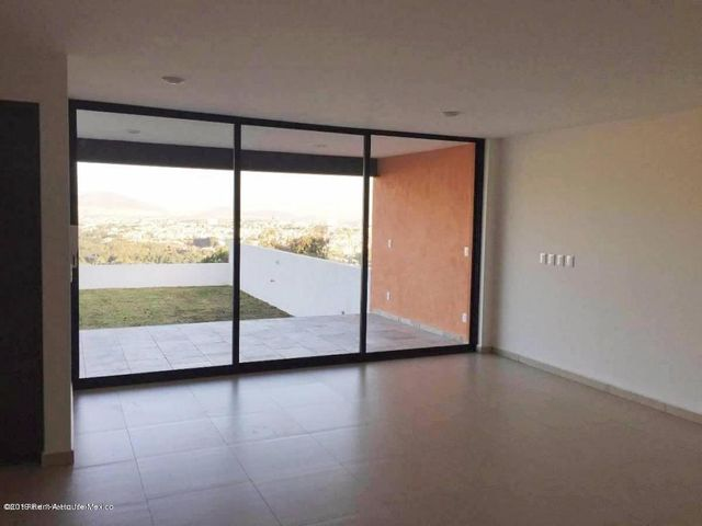 Casa Estado de Mexico>Atizapan de Zaragoza>Lomas de Bellavista - Renta:40.000 Pesos - codigo: 19-1451