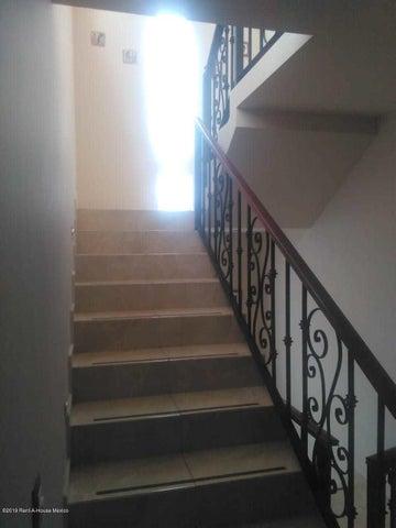 Casa Queretaro>Corregidora>Punta Esmeralda - Venta:2.400.000 Pesos - codigo: 19-1468