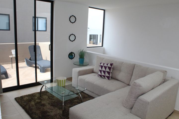 Casa Queretaro>El Marques>Zibata - Venta:2.419.064 Pesos - codigo: 19-1470